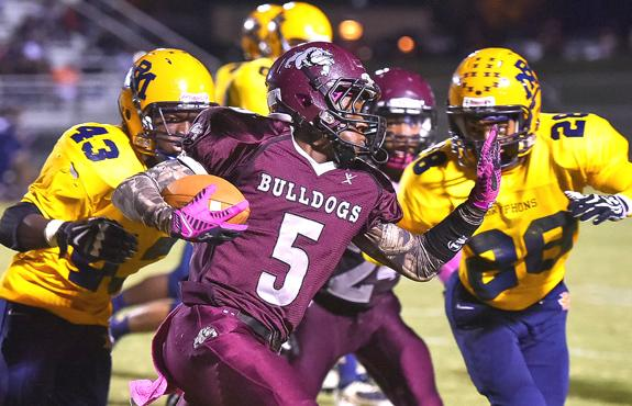 Gryphons Glide Past Bulldogs